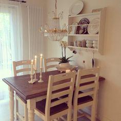 In my kitchen a grey octoberday. Bord och stolar från Mio. #cornwall #tallrikshylla #stenstorp #ikea