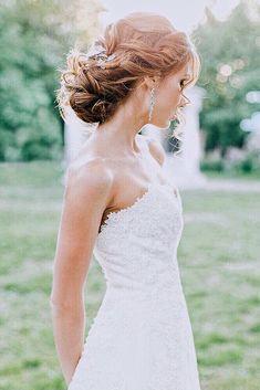 Perfect Wedding Hairstyles For Medium Hair ❤ See more: http://www.weddingforward.com/wedding-hairstyles-for-medium-hair/ #weddingforward #bride #bridal #wedding