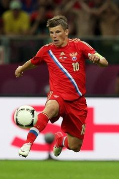 Russia leads Euro 2012 Group A with Poland's quarterfinal dream intact