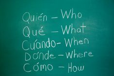 A la uno treinta y cinco en martes y jueves tengo la clase de Spanish con Ms Ruiz. En esta clase estudiamos diferentes reglas, cómo se pronuncia palabras y muchos otros componentes del español.