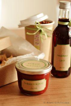 Erdbeerkonfitüre und Heidelbeer-Likör