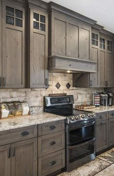 Stained Kitchen Cabinets, Rustic Kitchen Cabinets, Kitchen Cabinet Colors, Kitchen Redo, Home Decor Kitchen, Interior Design Kitchen, Home Kitchens, Dark Cabinets, Rustic Backsplash