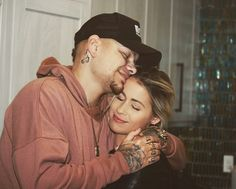 Kane Brown, Lost In The Woods, Couple Goals, Superstar, Police, Relationship, Singer, Couple Photos, Cute
