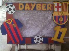 marcos para fiestas personalizado Messi Birthday, Soccer Birthday Parties, Sports Birthday, Superhero Birthday Party, 11th Birthday, Birthday Ideas, Barcelona Soccer Party, Friend Scrapbook, Soccer Theme