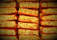 Bestanddele 1 kg bruismeel 5 koppies semel / All-bran 400 ml suiker 2 tl bakpoeier – mooi gelyk teen rand 1 tl sout margarien Stork Bake 3 jum. Kos, Rusk Recipe, Recipe Box, All Bran, Baking Muffins, Baking Biscuits, Personal Recipe, South African Recipes, Bread And Pastries