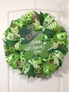 St.Patricks Day Wreath, Shamrock Wreath, Happy St.Patricks Day Shamrock Wreath, St.Patricks Day Decor, Irish Decor, Shamrock Decor, Green
