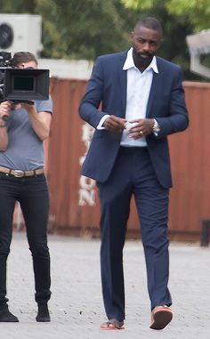 Yasss dadddy whoooah!!!!Idris Elba Bulge Mystery Solved? Actor Responds After Photos Spark Fan Fervor