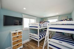 Bunk Bed Room that Sleeps 4 - Your Kids WIll Love this