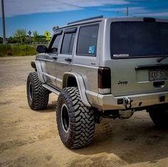 Classic Cars – Old Classic Cars Gallery Jeep Xj Lift, Jeep Xj Mods, Jeep Wj, Jeep Wagoneer, Jeep Cars, Jeep Truck, Jeep Wrangler, Badass Jeep, Jeep Commander