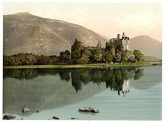 Kilchurn Castle Scotland, this is so on my list of places I must see!