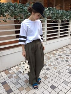 Recommend Wide Pants !