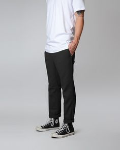 how long should men's jeans be Streetwear, Fashion Pants, Mens Fashion, Dickies Pants, Outfits With Converse, Converse Style, Skate Style, Retro Outfits, Men Looks