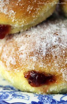 Pączki Polish Doughnuts recipe from Jenny Jones (Jenny Can Cook) - Healthier, delicious oven-baked Polish jelly doughnuts. Polish Desserts, Polish Recipes, Donut Recipes, Dessert Recipes, Cooking Recipes, Pastry Recipes, Polish Donut, Polish Food, Beignets