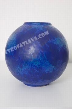 Van Daalen (Fritz) vase. Amazing blue glaze