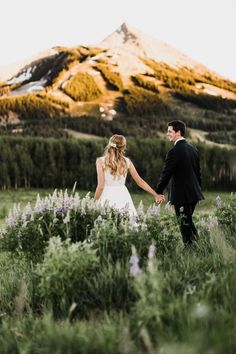 This Colorado mountaintop post-wedding shoot is stunningly gorgeous | image by The Hearnes