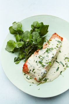 Tarragon Salmon from Nigella Lawson- absolutely delicious! Trout Recipes, Salmon Recipes, Meat Recipes, Cooking Recipes, Grilled Seafood, Grilled Salmon, Fish And Seafood, Shellfish Recipes, Seafood Recipes