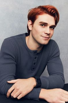 News Photo : Actor KJ Apa from CW's 'Riverdale' poses for a. Kj Apa Riverdale, Riverdale Archie, Riverdale Cast, Aj Kapa, Archie Andrews Aesthetic, James Fitzgerald, Riverdale Characters, Betty And Jughead, Cole Sprouse