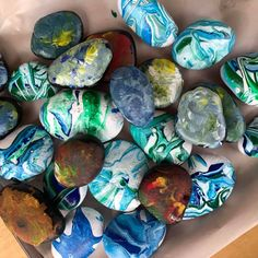 Our Tamariki have been busy exploring a new painting technique! Check out these amazing rocks, which all went home today to surprise the Dad's in our community for Father's Day.. #Childcare #Daycare #Kindergarten #Preschool #EarlyLearning #EarlyEducation #EarlyChildhoodEducation #ChildcareCentre #ChildcareCenter #LearningLinks #LearningLinksChildcare #Montessori #EarlyChildhood #RockPainting #RocksPainting #PaintedRock #RocksArt #RockArt #StoneArt #StonePainting #PaintingStone #PaintedStone Early Education, Early Childhood Education, Learning Centers, Early Learning, Stone Art, Pre School, Stone Painting, Painting Techniques, Childcare