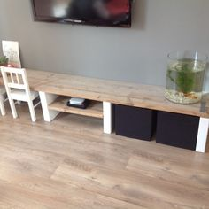 houten tv meubel houten televisie meubel Living Tv, Home Living Room, Kids Play Spaces, Muebles Living, Diy Home Decor, Room Decor, Kids Corner, Baby Decor, Kids Room