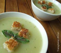 Supă cremă de dovlecei cu busuioc by Transylvanian Kitchen