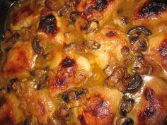Lip Lekker hoender met appeloossap en sampioene South African Desserts, South African Recipes, Chicke Recipes, Meat Recipes, Fun Baking Recipes, Cooking Recipes, Cooking Eggplant, Kos, Great Chicken Recipes