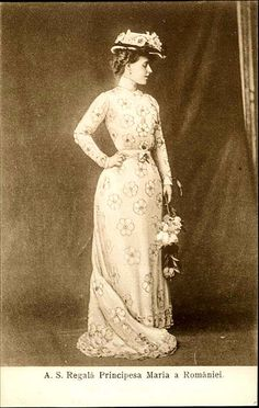 Königin Marie von Rumänien, Queen of Romania nee Princess of Edinburg 1875 – 1938 Queen Victoria Children, Princess Victoria, Princess Alexandra, Princess Beatrice, Edwardian Era, Edwardian Fashion, Romanian Royal Family, A Little Night Music, Queen Of Everything