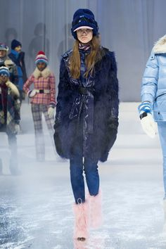 See all the Collection photos from Moncler Grenoble Autumn/Winter 2017 Ready-To-Wear now on British Vogue I Love Fashion, Winter Fashion, Fashion Show, Ski Fashion, New Outfits, Winter Outfits, Daily Dress, Moncler, Vogue Paris