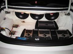Ireneusz T. did some serious audio upgrades to his 1995 Lincoln with gear from Crutchfield! #Kenwood #Kicker #Polk #RockfordFosgate #Lincoln #srslyDIY
