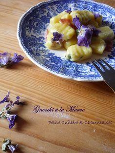 Gnocchi aux fleurs de Mauve Caviar D'aubergine, Oatmeal, Breakfast, Little Italy, Hui, Food, Challenge, Artichoke, Pasta Types
