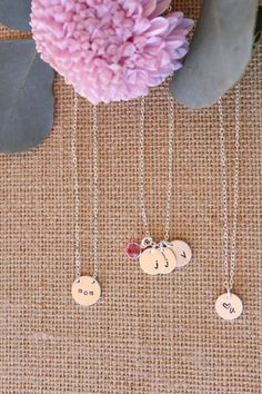 order a personalized necklace for mom for Mother's Day! #mothersday #giftformom