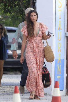 Tatiana Santo Domingo, con un vestido hippie, en Ibiza