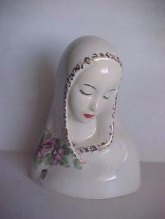 Vintage-ceramic-Veiled-Lady-face-head-Figurine-Virgin-Mary-collectible-Statue