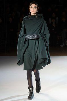 Yohji Yamamoto Fall 2015 Ready-to-Wear Fashion Show - Yulia (MAJOR)