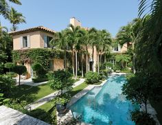 Palm Beach pool and landscape design by Nievera Williams Design.