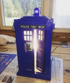 Dr Who Tardis - 3D Printed Lamp on Top