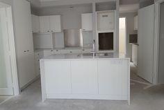 Bassendean - 3036 - Custom designed home on a narrow block - kitchen