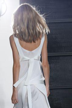 Défilé Calvin Klein Collection Printemps-été 2016 | white minimal summer style