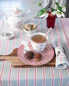 Tea-Time bei Greengate mit dem Geschirr aus der Serie Lucia