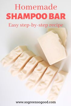 This beauty recipe is perfect for those of you who never made a shampoo bar before as I replaced lye (used for saponification) with an organic pre-made melt-and-pour soap base (lye already incorporated). This DIY shampoo bar requires only four ingredients Diy Shampoo, Solid Shampoo, Homemade Shampoo, Homemade Moisturizer, Organic Shampoo, Organic Soap, Homemade Conditioner, Homemade Facials, Diy Cosmetic