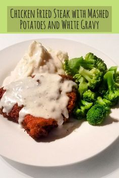 Chicken fried steak (or country fried steak for you rebels 😜) is a delicious southern meal that is smothered in delicious white gravy. Serve with your veggies of choice and CHOW DOWNNN Steak And Mashed Potatoes, Chicken Fried Steak, Potato Soup, Southern Recipes, Stir Fry, Soul Food, Gravy, Broccoli, Fries