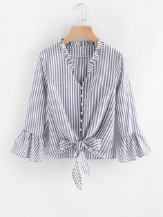 SheIn offers Contrast Striped Knotted Hem Frill Blouse & more to fit your fashionable needs.Product name: [good_name] at SHEIN, Category: Blouses, Price: [good_price]Shop online for the latest collection of PIN US BlouseAndJeans 20180129 V Find the Frill Blouse, New Blouse Designs, Fall Shirts, Women's Shirts, Blouse Online, Blouse Styles, Mode Inspiration, Blouses For Women, Fashion Dresses