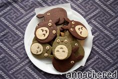 Totoro cookie by AnnaTheRed made with a home made food cutter