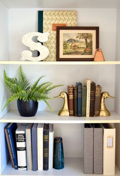 Thrift stores are a budget decorator's best friend. Pinterest makes it all look so easy-- from thrift store furniture makeovers to buying valuable vintage pieces at a steal. In reality, second-hand shopping savvy is a skill that takes some practice! If you're frustrated about repeatedly comi