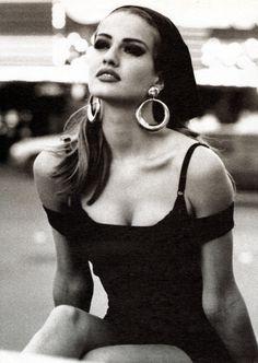 """attimi-e-ricordi: """" celaidu: """" Karen Mulder for Guess, by Ellen von Unwerth, 1991 """" ♥a&r """" Ellen Von Unwerth, Top Models, Guess Models, Modelos Guess, Guess Ads, 90s Fashion, Vintage Fashion, Yasmin Le Bon, Original Supermodels"""