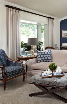 grey living room ideas for gorgeous and elegant spaces Real home inspiration grey living room sets for your home Real home inspiration grey living room sets for your home Luxury Interior Design, Interior Design Inspiration, Room Inspiration, Design Ideas, Living Room Furniture, Living Room Decor, Dining Room, Grey Living Room Sets, White Carpet