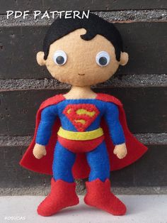 PDF pattern to make a felt Superman. por Kosucas en Etsy