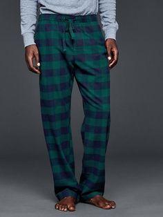 #holidaygiftguide #2015 #men Buffalo checkered PJ pants