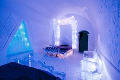 Frozen inspired bedroom. Canada ice hotel