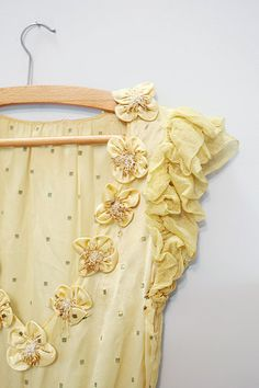 1930s Stunning Yellow Gown