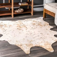Shop nuLOOM Contemporary Faux Animal Prints Cowhide Area Rug - On Sale - Overstock - 18119850 Area Rugs For Sale, Large Area Rugs, Animal Rug, Animal Prints, Faux Cowhide Rug, Affordable Rugs, Rug Texture, Cow Hide Rug, Cow Print